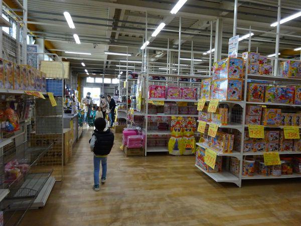 おもちゃ屋さんの倉庫 瑞穂店店内