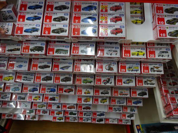 おもちゃ屋さんの倉庫トミカ