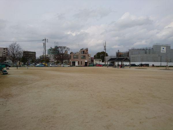 川名公園のグラウンド