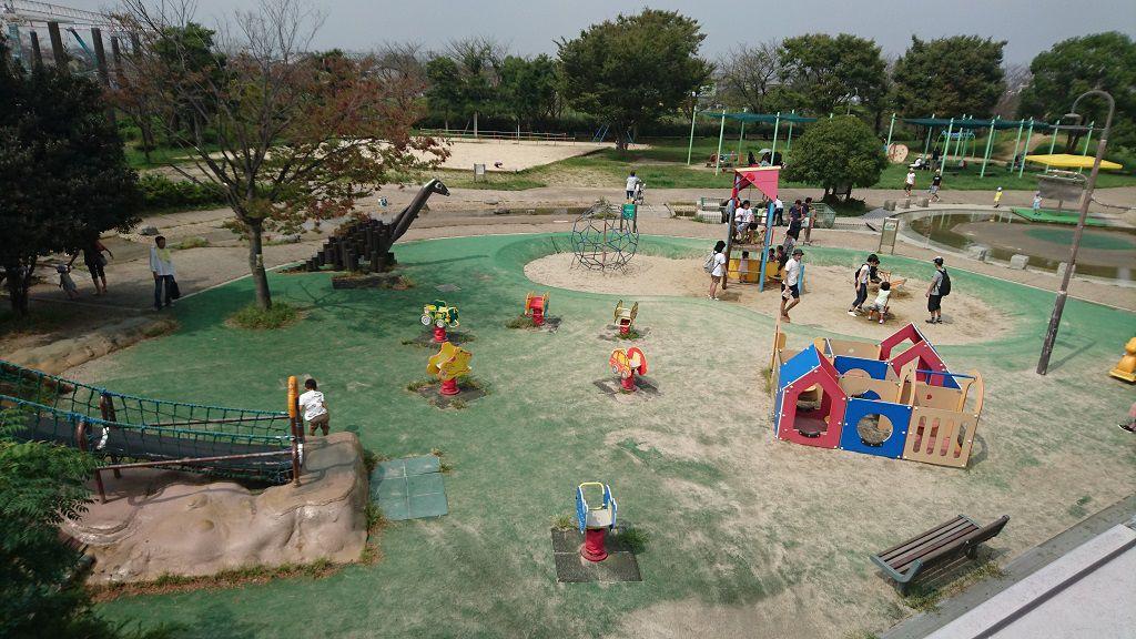 戸田川緑地の幼児向け遊具広場
