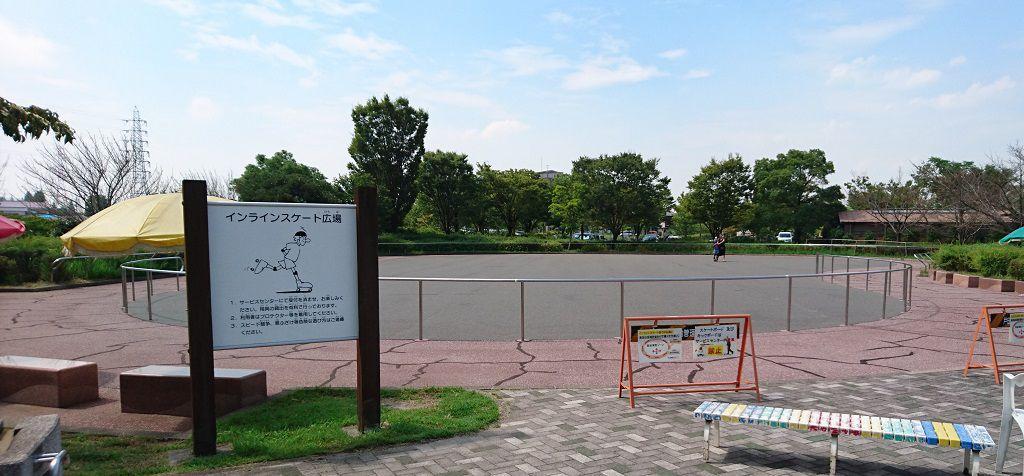 戸田川緑地のインラインスケート場