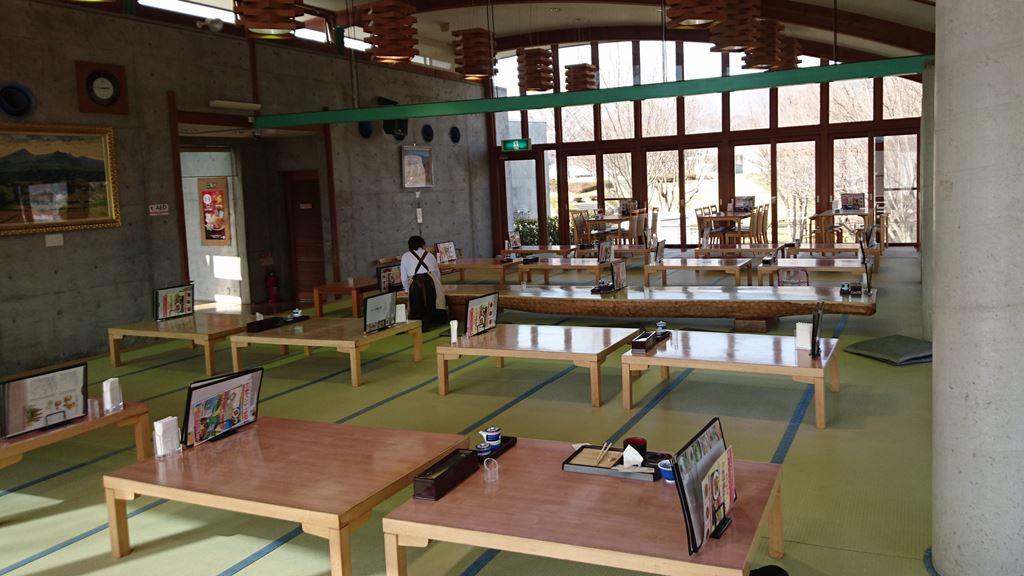 望郷の湯レストランの座席