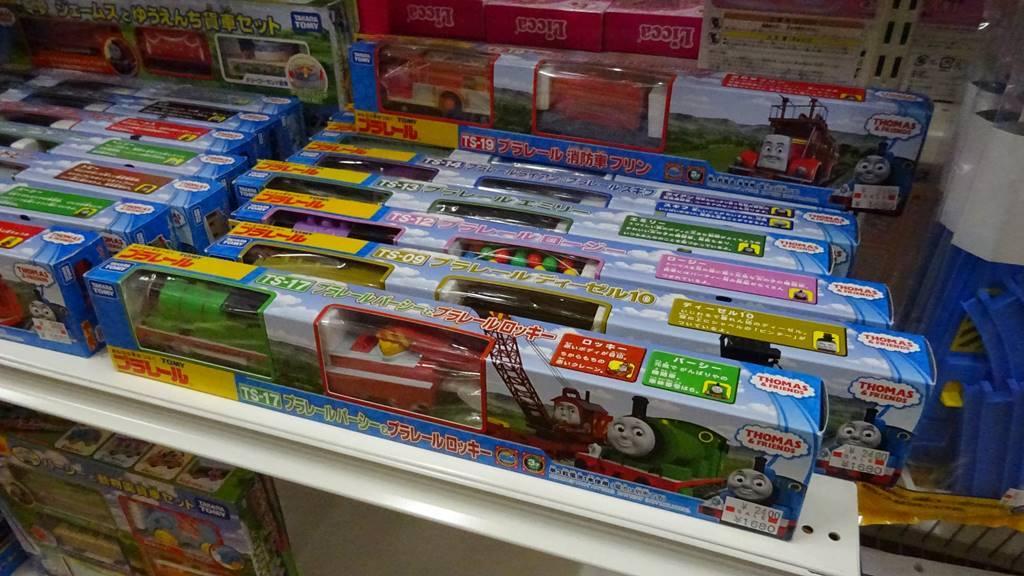 おもちゃ屋さんの倉庫プラレール-トーマス